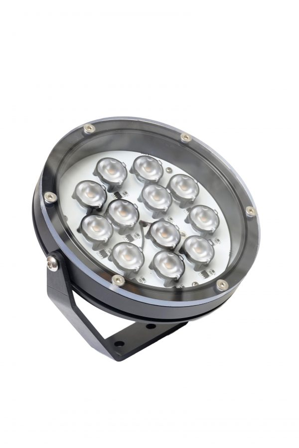 DSC0509 600x900 - Large Floodlight 4000 12v (4060 lumens)