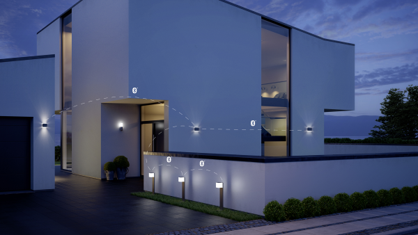 OUTDOOR SENSOR LIGHT L 840 LED IHF ANT 2 600x338 - Steinel L 840 LED iHF Sensor Switched Outdoor Light (Silver finish)