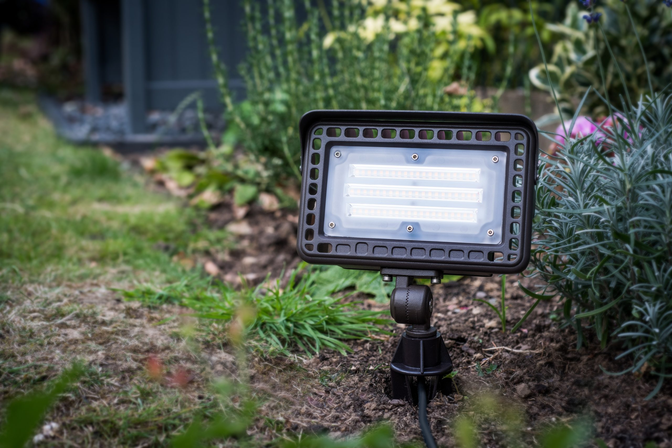 PR2 0281 retouch scaled - Low voltage garden lighting connections
